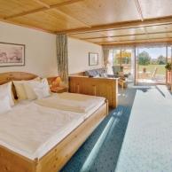 großzügiges Hotelzimmer für Ihren Urlaub in Bad Birnbach